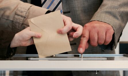 Volební urna, která je používána pro různé druhy voleb.