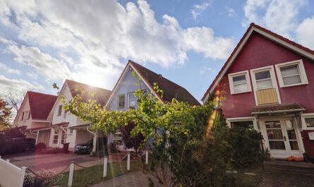 Domy, pro jejich nákup můžete využít hypotéky.