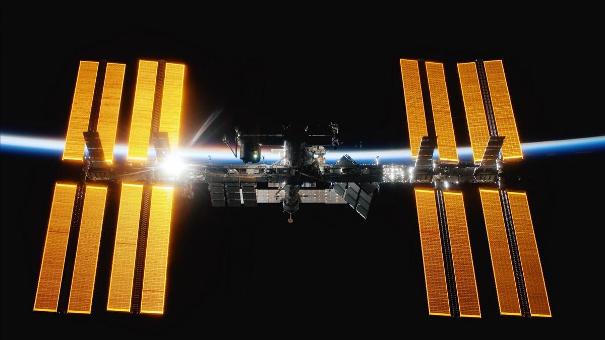 Mezinárodní vesmírná stanice ISS na fotografii.